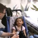 Dievčatku s poškodeným mozgom bola transplantovaná pupočníková krv od sestry